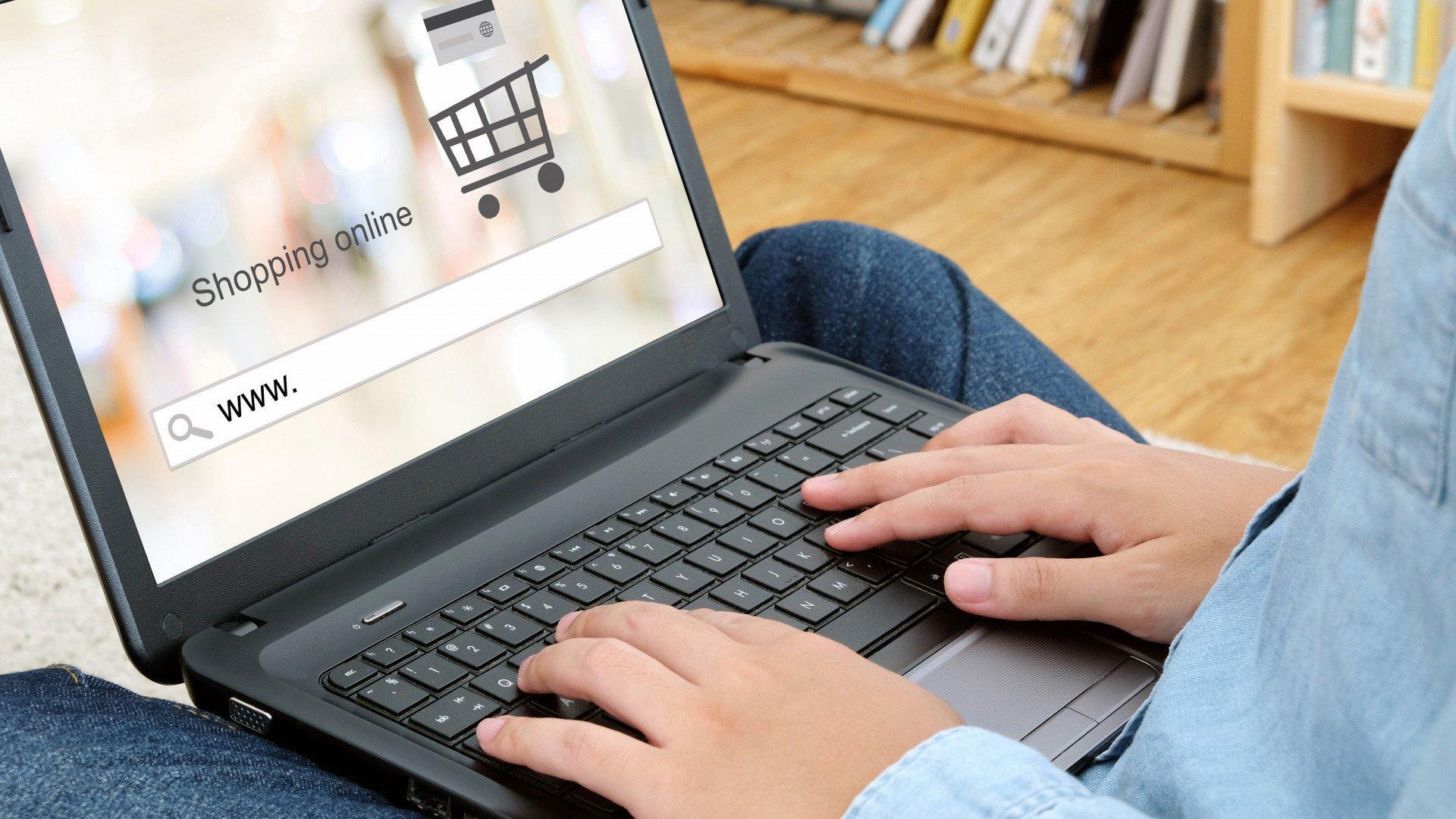 7ea1e04b 8 zasad bezpiecznych zakupów przez Internet - na co uwagę?
